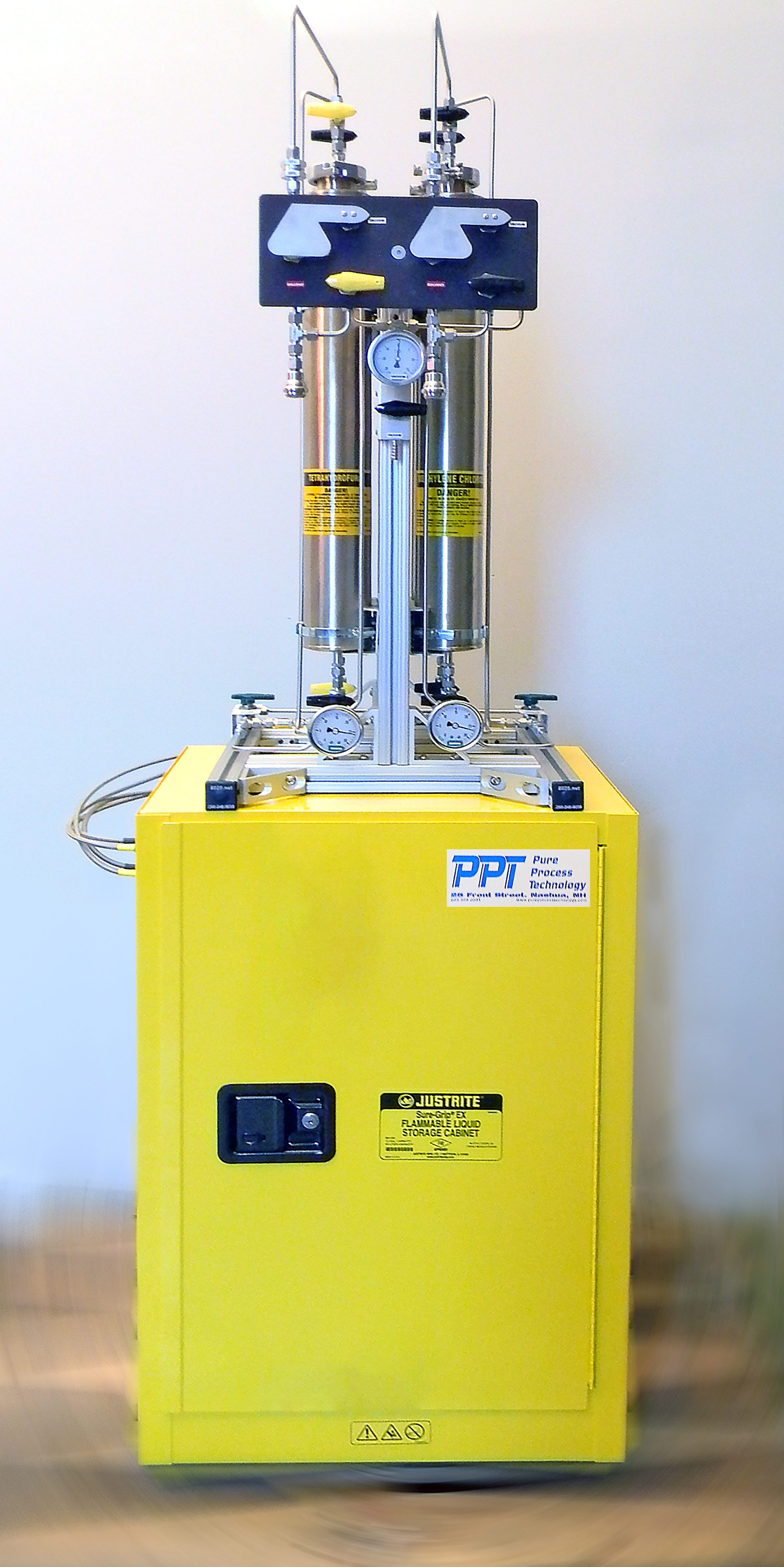 Compact Solvent Purification System